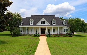 6235 Bell Creek Court Grand Bay, AL 36541 - Image 1