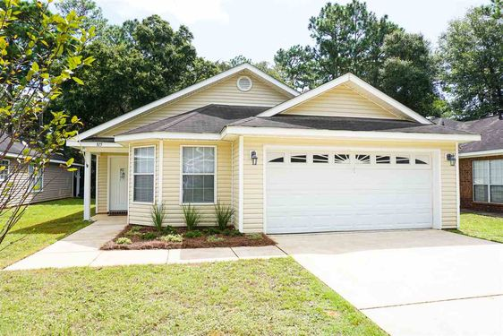 815 Willow Springs Dr Mobile, AL 36695