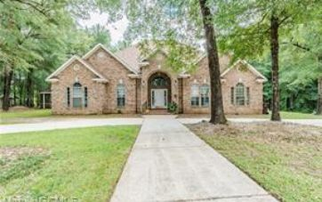 320 BALTIMORE COURT SATSUMA, AL 36572 - Image 1