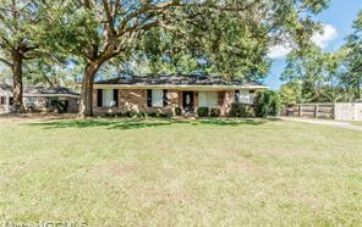 8750 DUTCH VALLEY COURT MOBILE, AL 36695 - Image 1