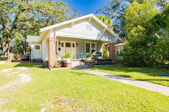 1154 Old Shell Road Mobile, AL 36604