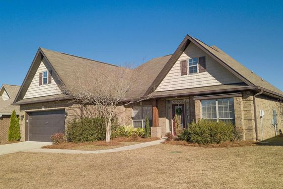 2557 Hedgerow Drive Mobile, AL 36695