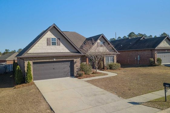 2557 Hedgerow Drive - Photo 2