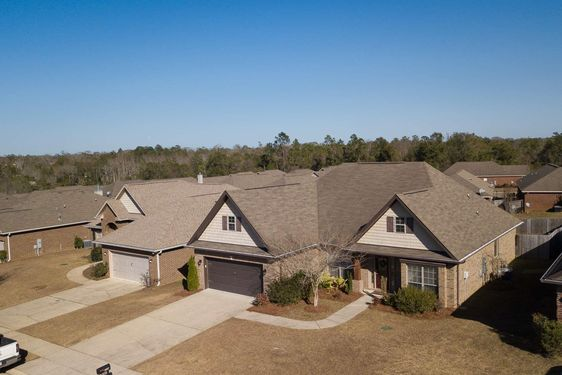 2557 Hedgerow Drive - Photo 4