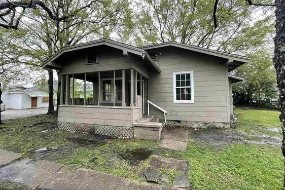 130 Bush Avenue Mobile, AL 36604