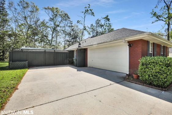 422 Dumoine Drive - Photo 2