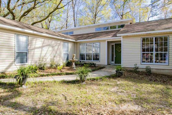136 Brentwood Drive - Photo 4