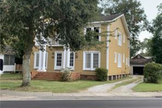 1769 OLD SHELL ROAD MOBILE, AL 36604
