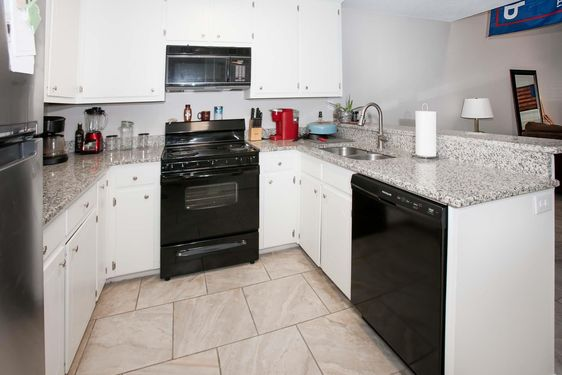 389 Clubhouse Drive H1 - Photo 4
