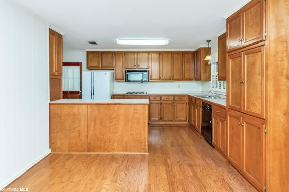 5604 William and Mary St - Photo 2