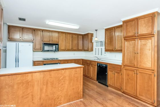 5604 William and Mary St - Photo 3